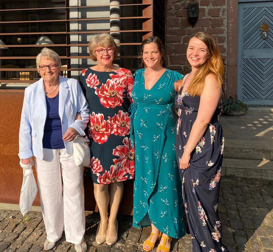 Die Frauen im Weingut Engel